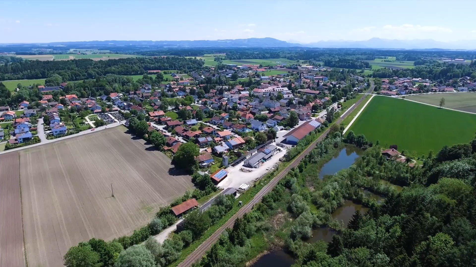 Kirchanschöring Chiemsee-Chiemgau Drohnenaufnahme