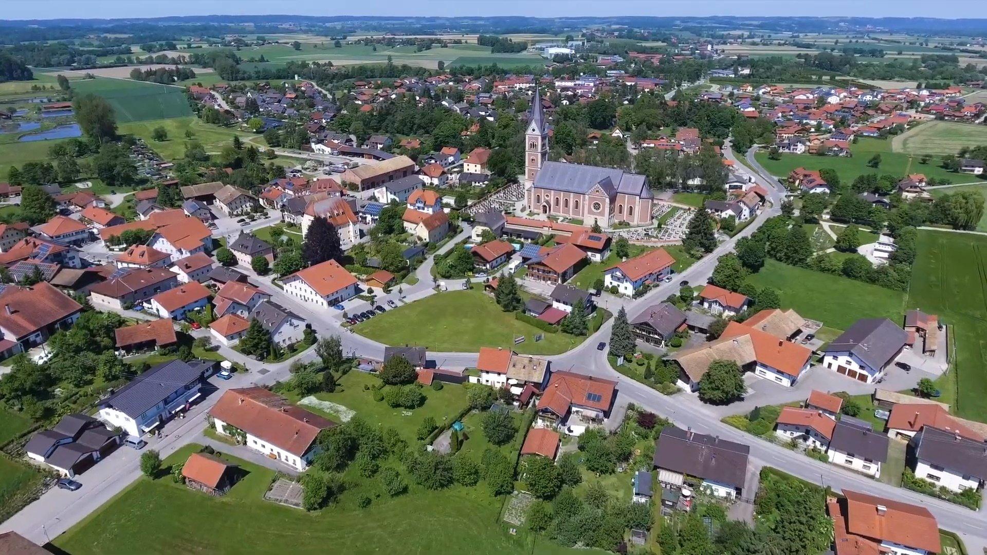 Fridolfing Chiemsee-Chiemgau Drohnenaufnahme