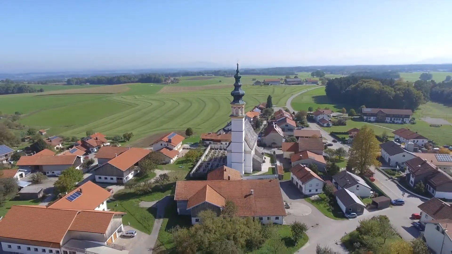 Wonneberg Chiemsee-Chiemgau Drohnenaufnahme